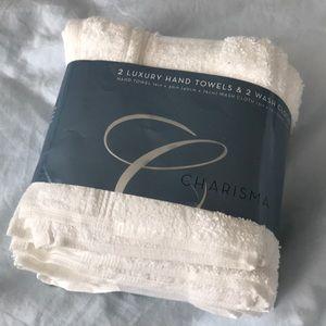 Charisma 4 piece 2 wash cloth hand towel white nwt